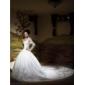 Vestito da sposa, con scollo a V, maniche lunghe e strascico a cappella