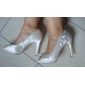 satin övre stilettklack peep toe / pumpar med rhinestone / satin brud blomma bröllop skor