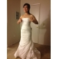 Lanting Bride® Trumpet / Mermaid Petite / Plus Sizes Wedding Dress - Classic & Timeless / Elegant & Luxurious Court Train Strapless