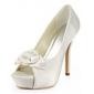 satin stilett häl pumpar / peep toe med blomma bröllop skor (fler färger finns)