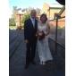 Lanting Bride Sheath/Column Petite / Plus Sizes Wedding Dress-Floor-length V-neck Lace / Tulle