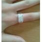 l'anneau de zircon de poupée chanceuse des femmes